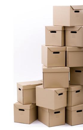 Pile de carton de déménagement